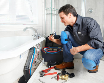 How much do plumbers earn?